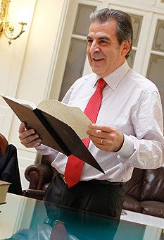 El ex presidente Eduardo Frei fue quien inició la venta de las sanitarias a capitales privados.