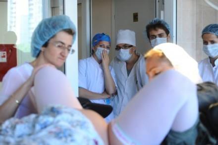 Algunas mujeres acusan de ser víctimas de violencia psicológica durante el parto.
