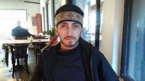 Fernando Jones Huala, uno de los voceros del pueblo mapuche, fue entrevistado por RT en un bar de la Ciudad de Buenos Aires. / Leandro Lutzky
